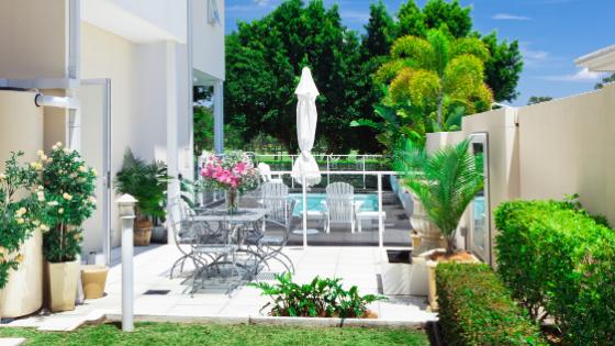 clean patios, backyards